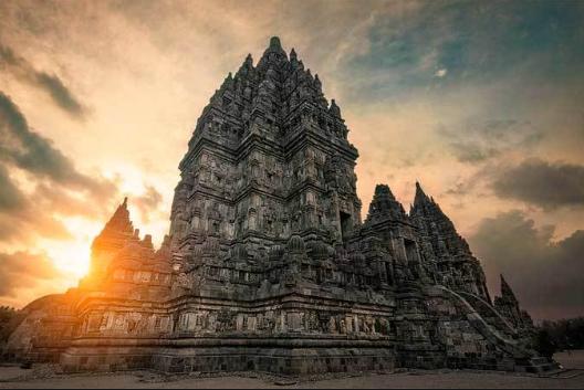 Spot foto keren Candi Prambanan