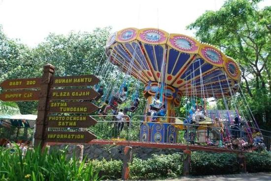 Wahana di Taman Safari Prigen